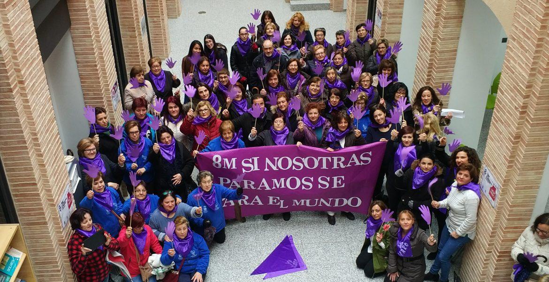 Las mujeres de Iniesta salen a la calle reivindicando la igualdad