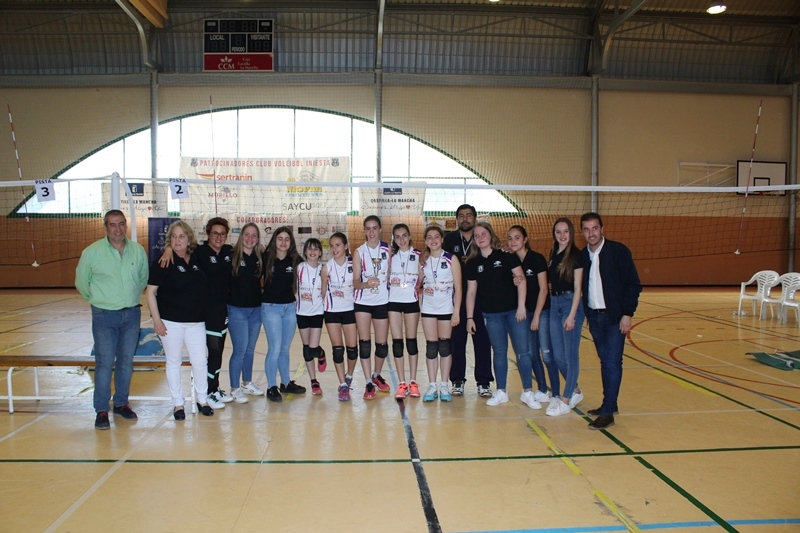 Las alevines de Iniesta, terceras en el regional de Voleibol