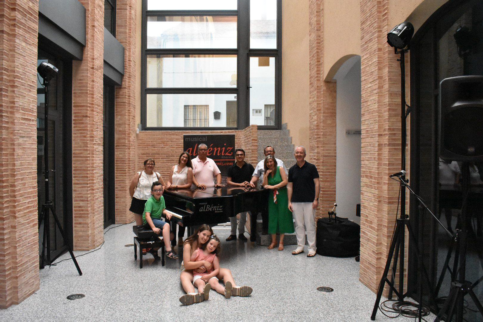 Isabel Zaragoza y Cecilia Novella, ganadoras del II Certamen Jóvenes Intérpretes de Iniesta
