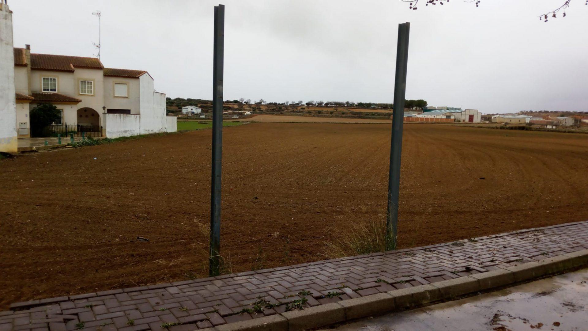 EL AYUNTAMIENTO DE INIESTA COMPRA LOS TERRENOS DONDE SE CONSTRUIRÁ EL CENTRO DE DÍA