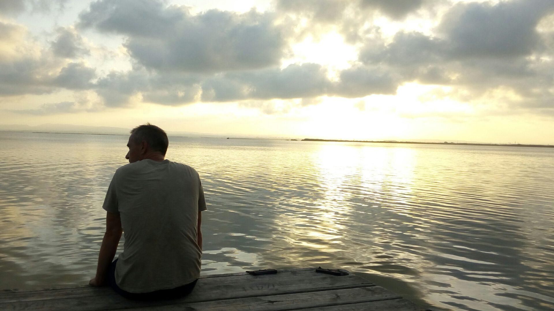 EL INIESTENSE JAVIER HERNÁNDEZ, 'NOVEL', LANZA SU SEGUNDO EP 'BAJA FIDELIDAD'