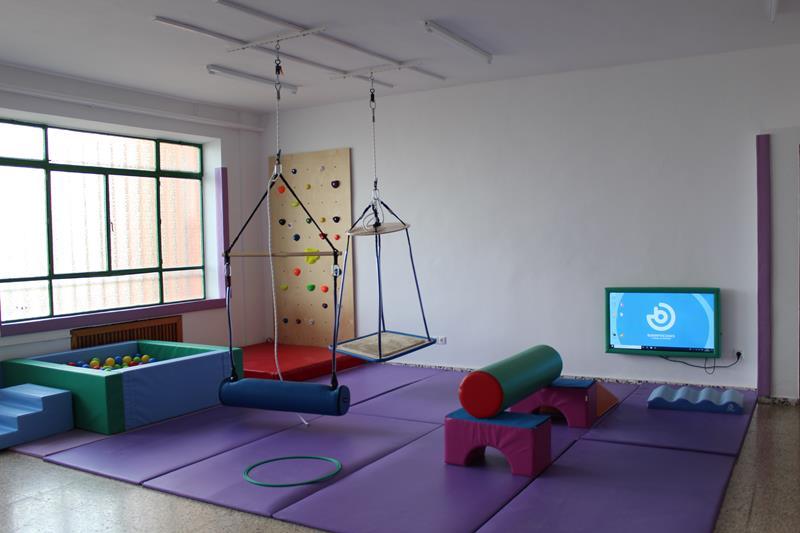 El Ayuntamiento de Iniesta dota a Cocemfe de una sala de integración sensorial