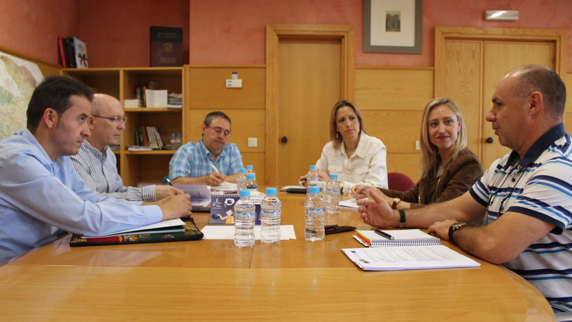 Adiman eleva a las autoridades regionales y europeas el proyecto DECODE