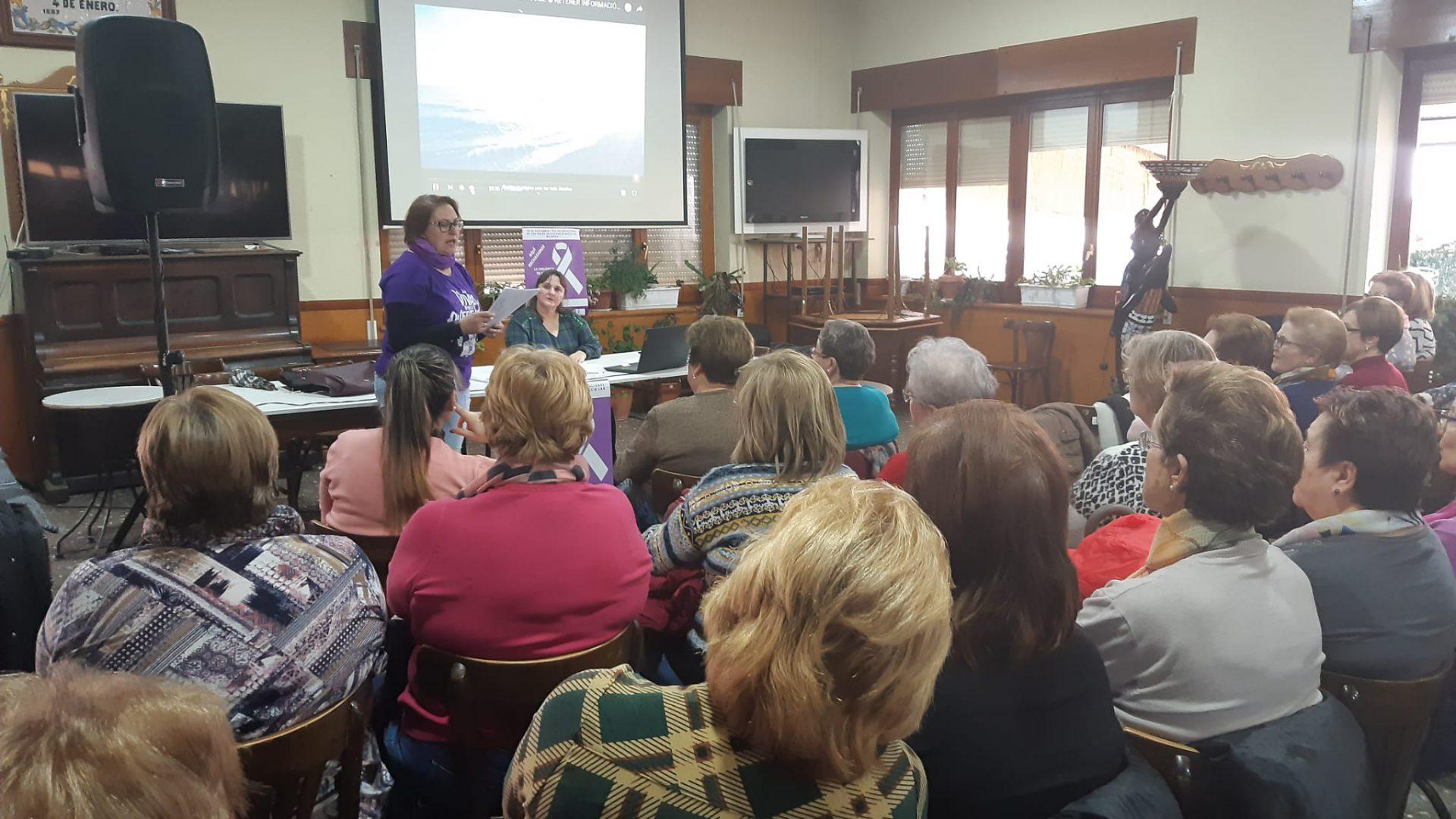 Iniesta celebra el Día Internacional contra la Violencia de Género