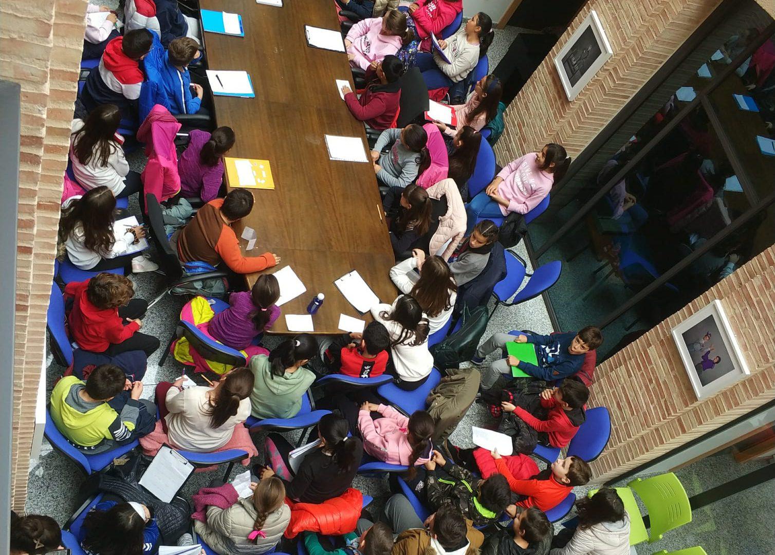 Iniesta celebra los derechos del niño con su Semana de la Infancia