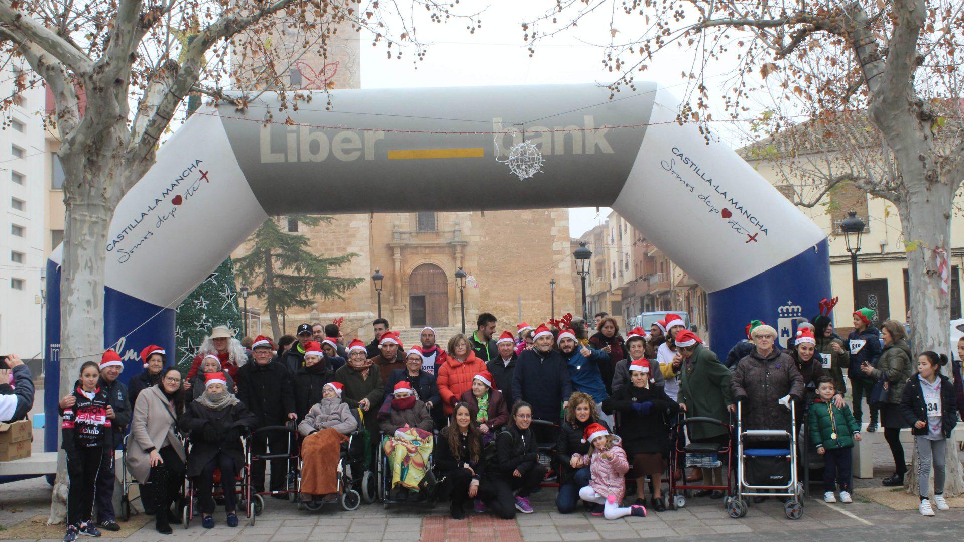 La carrera solidaria de Quintanar del Rey recauda 1.500 euros para sus mayores